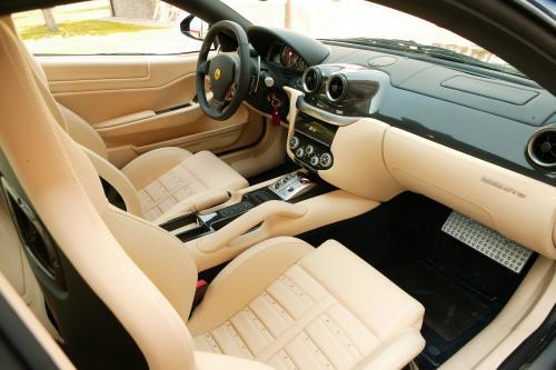 Как волнение за открытие Ferrari California строит, скачущей лошади объявляет, что один к одному программа была продлена до 599 GTB Fiorano