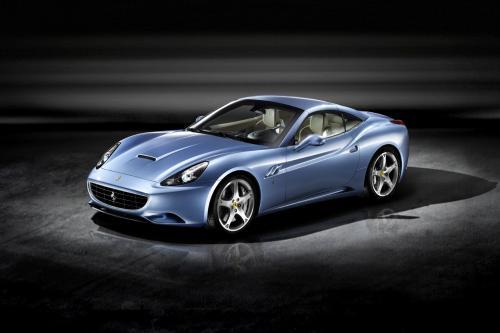 Новый Ferrari California выявлено