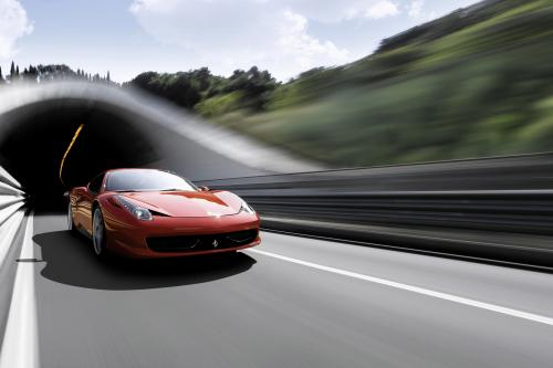 """7-летний \""""Ferrari Geniune обслуживания\"""" программы"""