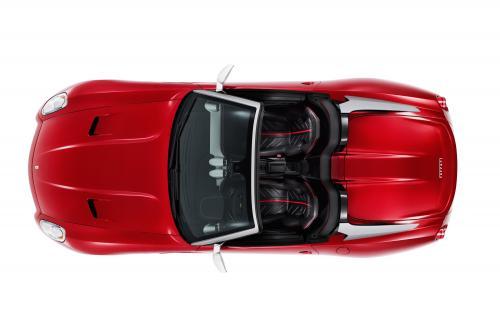 Ferrari представила SA APERTA впереди Париж 2010