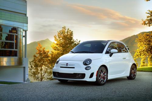Fiat партнеров с Conde Nast для Fiat 500c GQ Edition