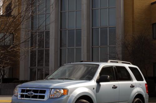 Ford Escape hybrid предоставляет полный пакет услуг для округа Лос-Анджелес океанские спасатели