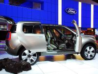 thumbnail image of Ford Explorer America Concept Detroit 2008