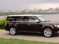 2009 Ford Flex Hits Streets of New York