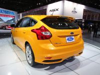 thumbnail image of Ford Focus ST Detroit 2013