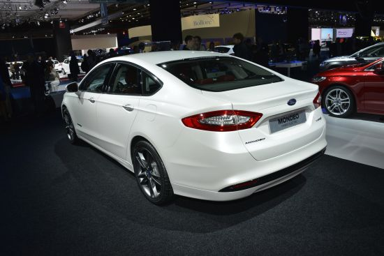 Ford Mondeo Hybrid Electric Paris