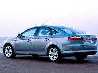 Ford Mondeo 5-Door, 5 of 6
