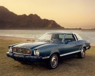 Ford Mustang 1977, 2 of 3