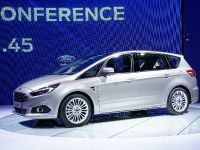 thumbnail image of Ford S-Max Paris 2014