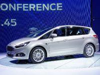 thumbnail image of Ford S-Max Paris 2014