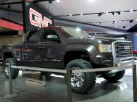 thumbnail image of GMC Sierra HD concept Detroit 2011