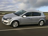 Holden Astra, 12 of 18