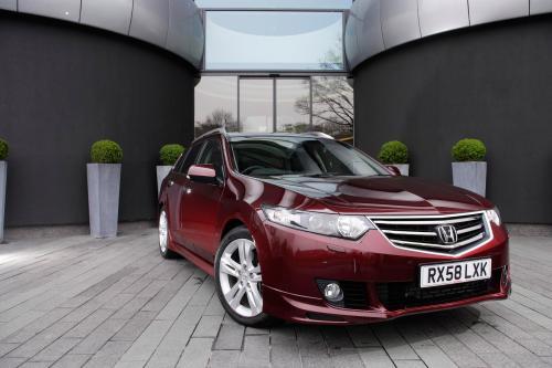 Acura в прямом эфире в 2011 TSX Sport Wagon премьера