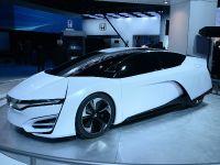 thumbnail image of Honda FCEV Concept Detroit 2014