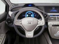 Honda FCX Clarity, 27 of 35