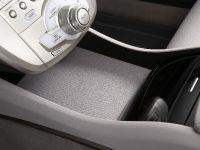 Honda FCX Clarity, 31 of 35