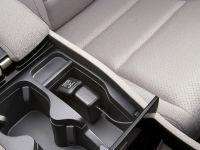 Honda FCX Clarity, 4 of 35