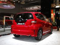 thumbnail image of Honda Jazz Si Paris 2012