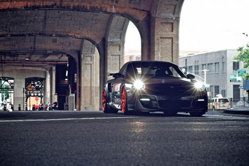 ОПЧ P40SC Porsche 997 Turbo добавляет контраста к дороге