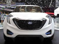 thumbnail image of Hyundai Curb Concept Geneva 2011