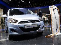 thumbnail image of Hyundai i10 Blue ev Frankfurt 2011