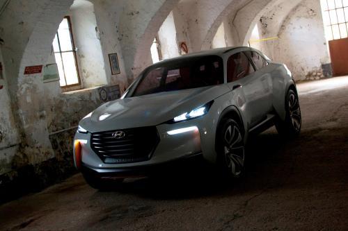 Компания Hyundai представила концепт Intrado в Женеве