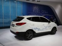 thumbnail image of Hyundai ix35 Fuel Cell Paris 2012