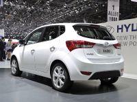 thumbnail image of Hyundai ix35 Geneva 2011