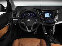 Hyundai New i40 Tourer and Saloon, 4 of 4