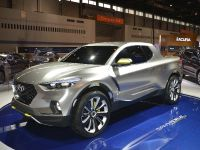 thumbnail image of Hyundai Santa Cruz Crossover Truck Concept Chicago 2015