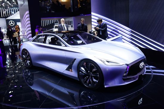 Infiniti Q80 Inspiration Paris