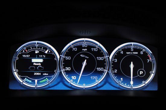 Jaguar XJ_e PHEV