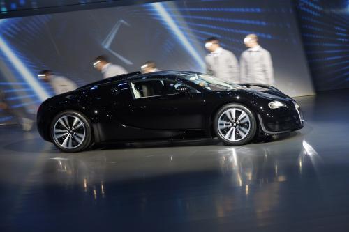 Bugatti Легенда: Жан Бугатти Вейрон получает свою мировую премьеру [видео]