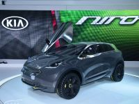 thumbnail image of Kia Niro Concept Chicago 2014