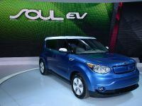 thumbnail image of Kia Soul EV Chicago 2014