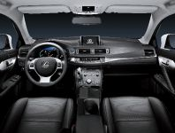 Lexus CT 200h 2011, 8 of 22
