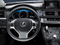 Lexus CT 200h 2011, 9 of 22