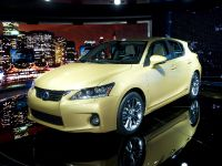 thumbnail image of Lexus CT 200h Detroit 2011