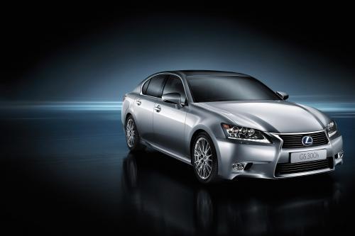 Lexus дебютирует GS 300h в Китае