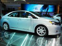 thumbnail image of Lexus HS 250h Hybrid Detroit 2009