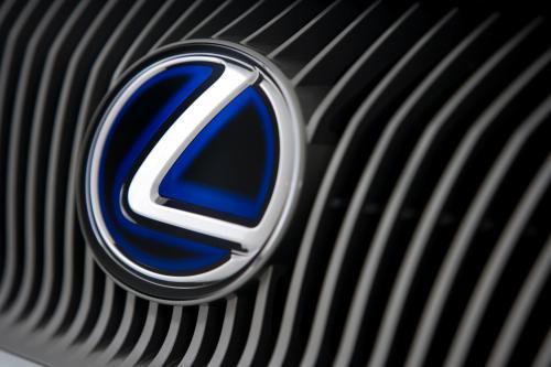 Lexus Для Запуска Всех Новых Гибридных Автомобиля