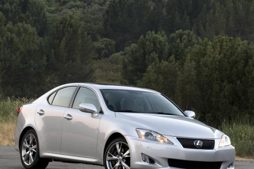 Lexus добавляет спортивный пакет 250