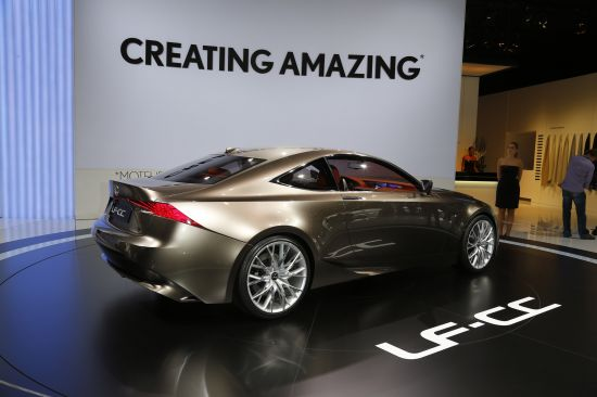 Lexus LF-CC Paris