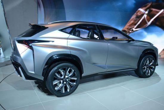 Lexus LF-NX Detroit