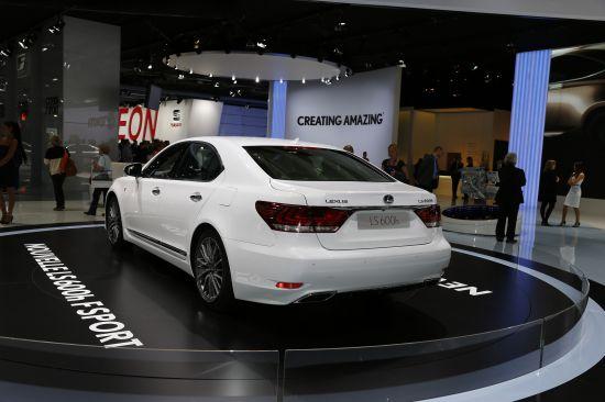 Lexus LS 600h Paris