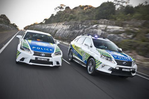 Лексус Запускает Два Полицейских Привет-Vis Гибридов
