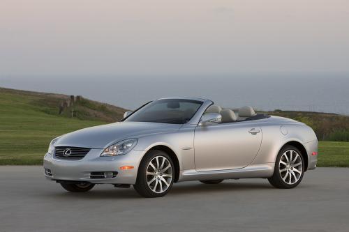 Lexus представляет первый в мире Pebble Beach® Edition LS 600h L и шестом ежегодном Pebble Beach Edition® SC 430