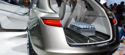 https://cdn1.automobilesreview.com/img/lincoln-mkt-concept-detroit-2008/slides405/lincoln-mkt-concept-detroit-2008-04.jpg