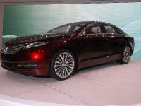 thumbnail image of Lincoln MKZ Concept Detroit 2012