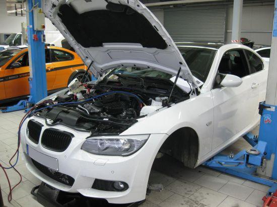 Manhart Racing BMW E92 335i
